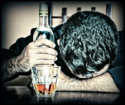 alcohol and binge drinking lowers testosterone levels